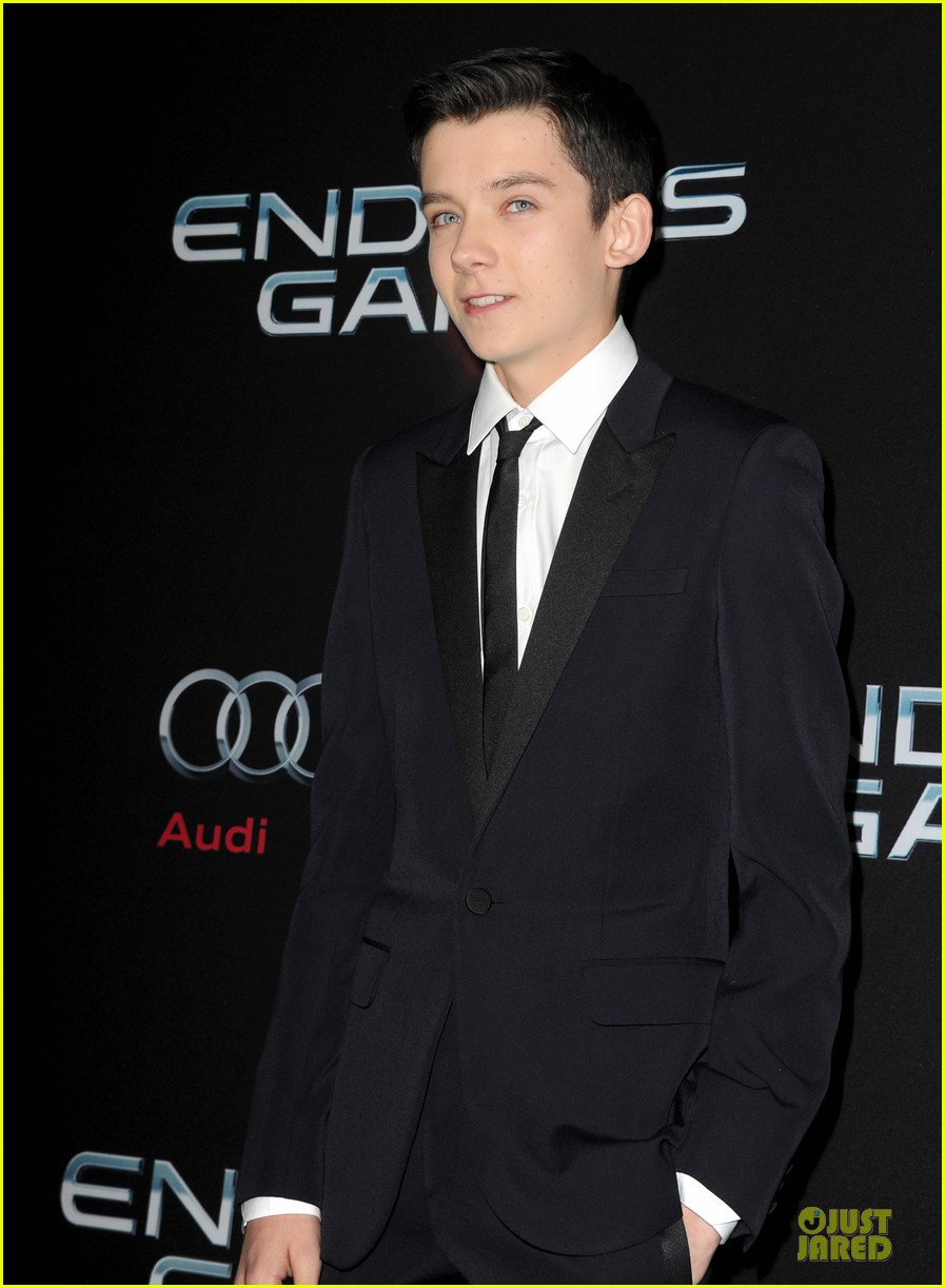 hailee steinfeld asa butterfield enders game premiere 112982062