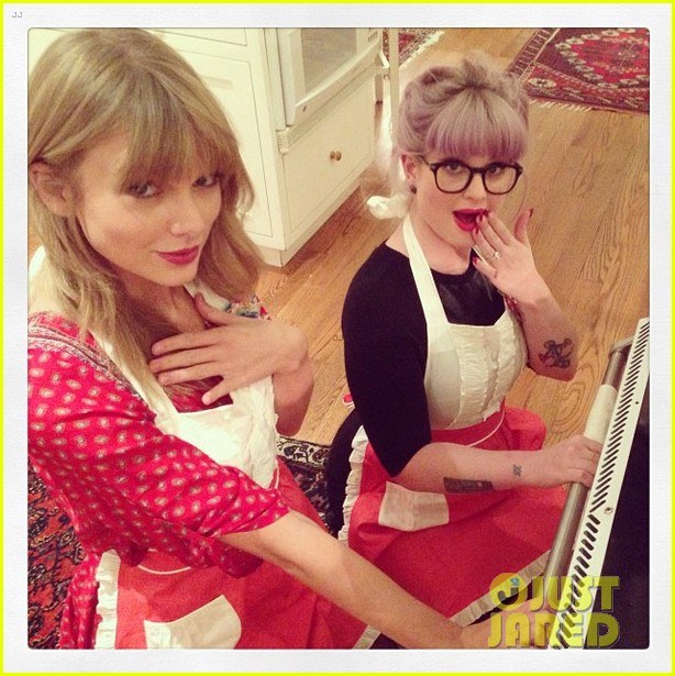 taylor swift hits the gym after baking  with kelly osbourne 032965843