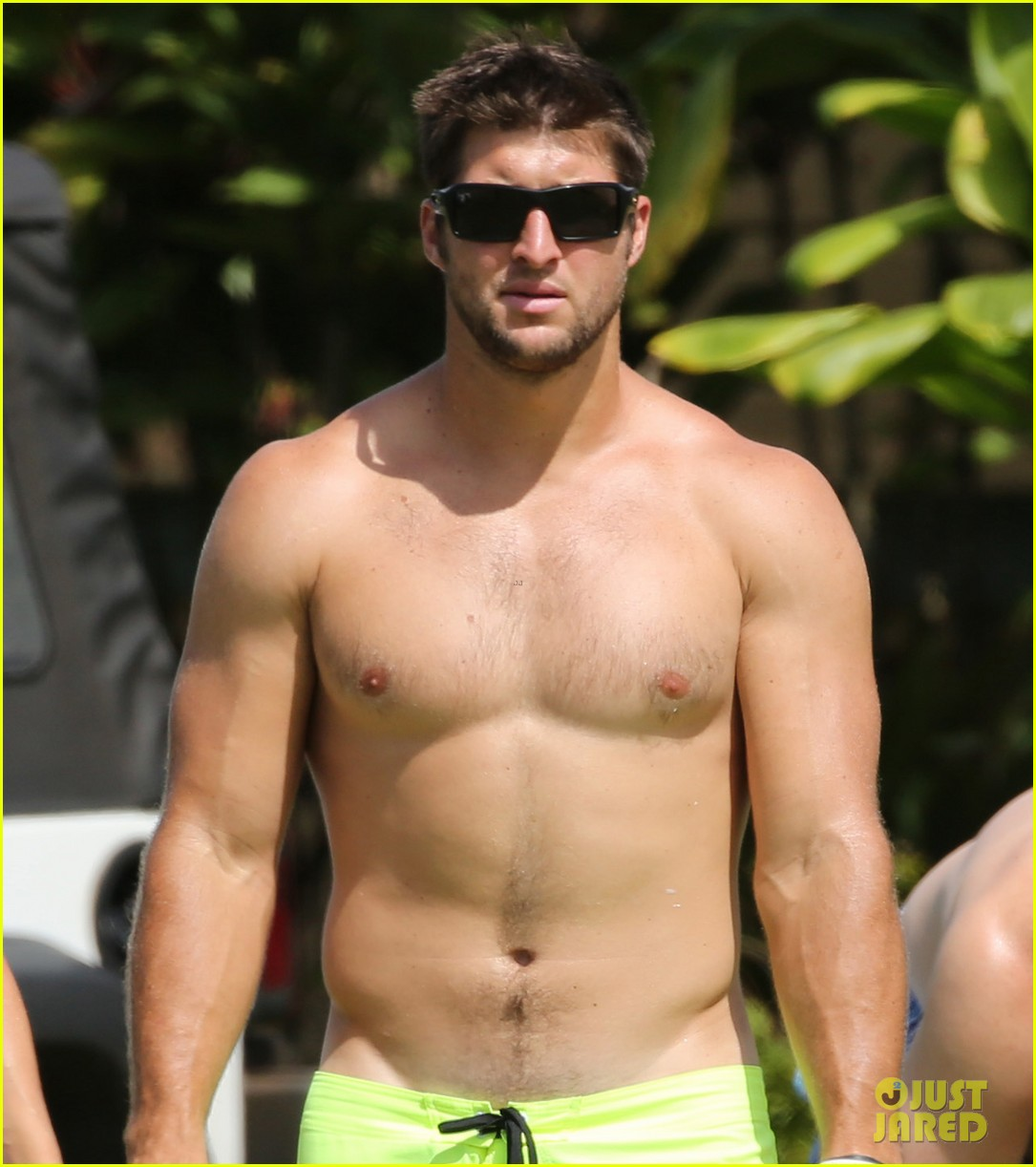 tim tebow shirtless beach stud in hawaii 102971679