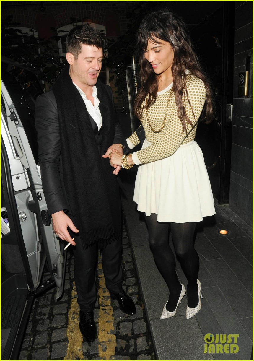robin thicke london night out with paula patton 082976374
