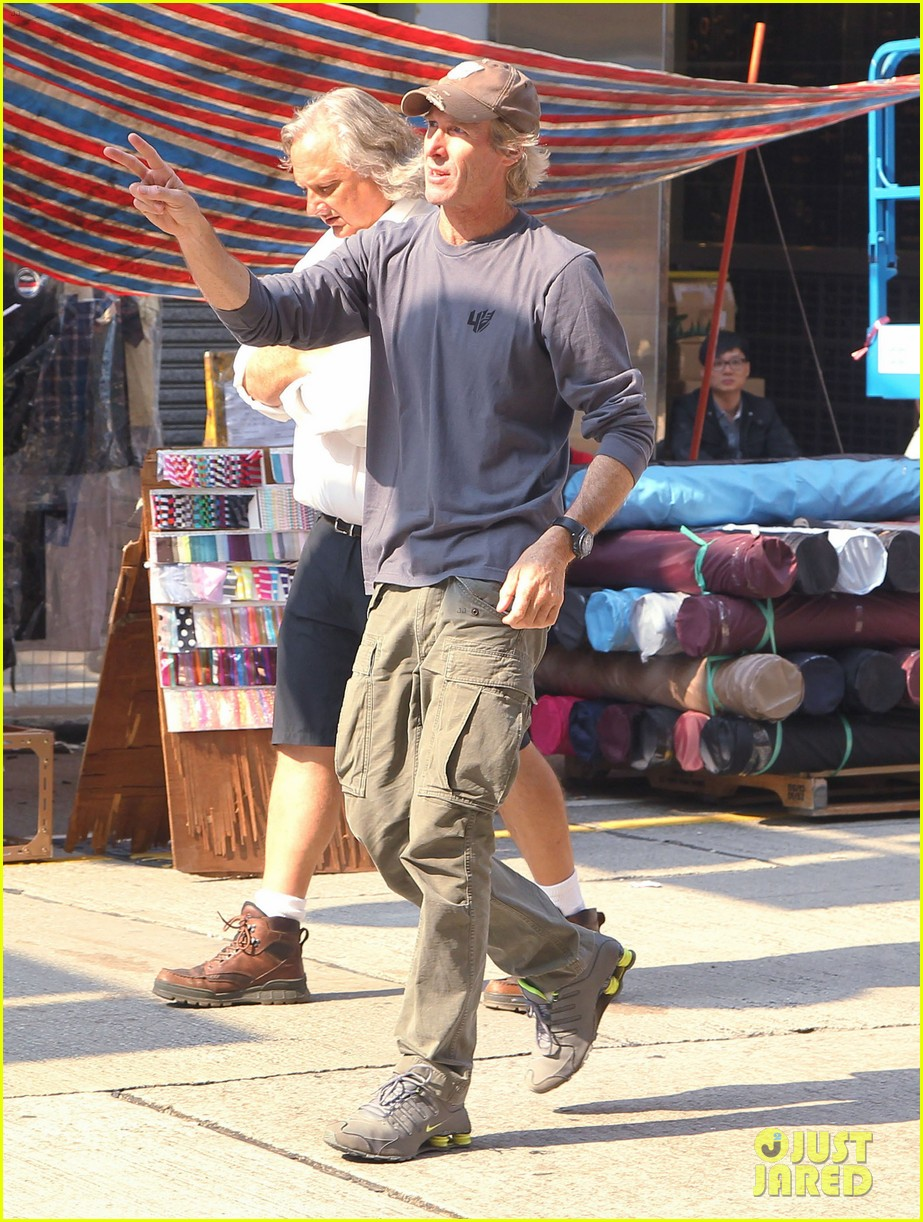mark wahlberg films transformers 4 in hong kong with nicola peltz jack reynor 122976250
