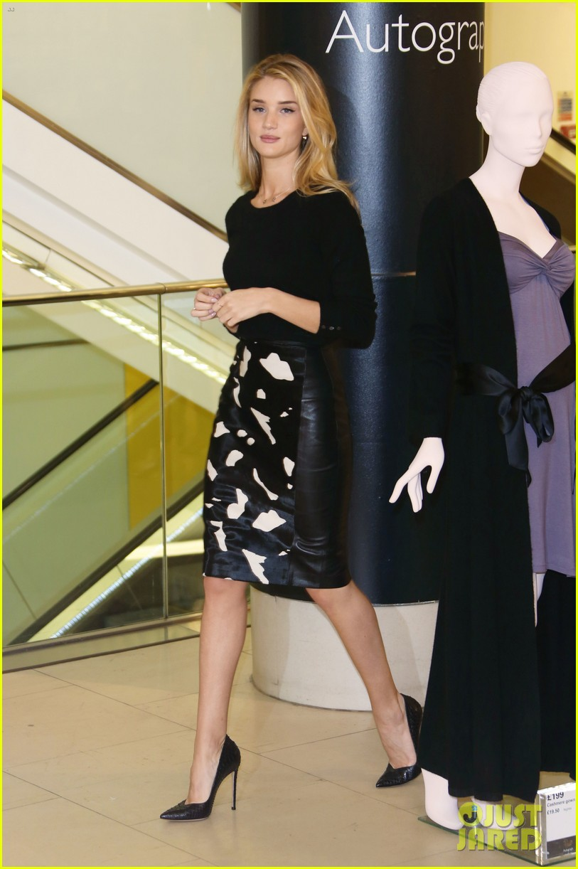 rosie huntington whiteley rosie for autograph photo call 01