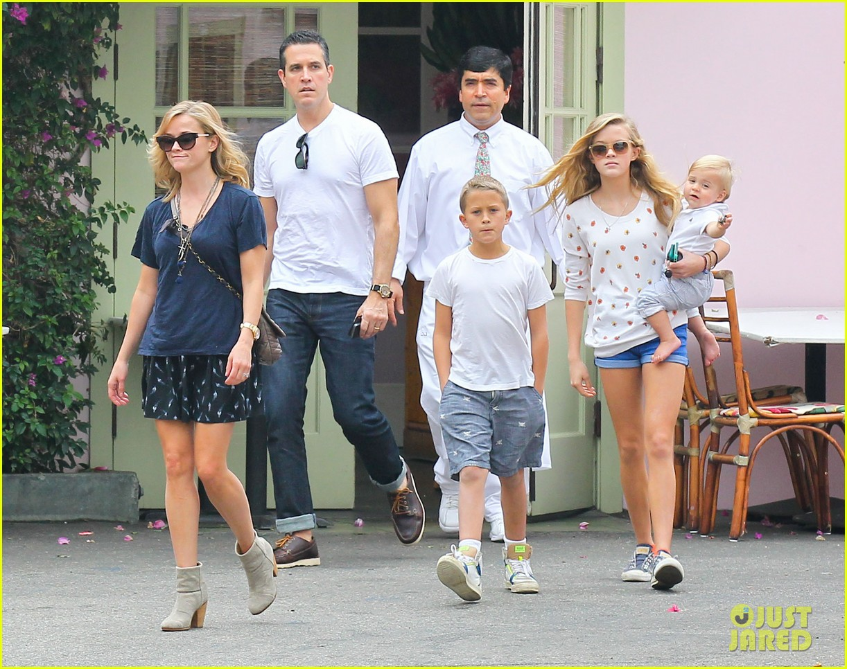 Reese Witherspoon Jim Toth Saay Lunch With The Kids Photo 2975104 Ava Phillippe Celebrity Babies Deacon