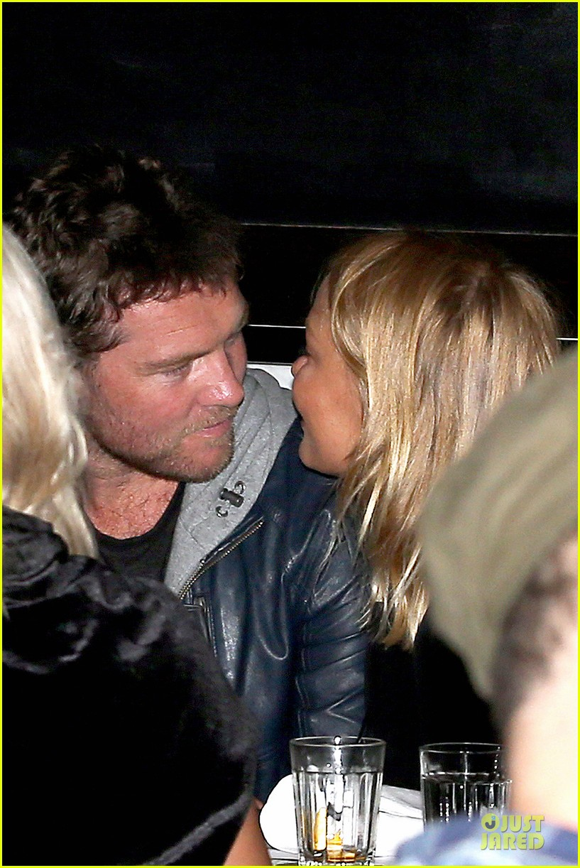 sam worthington lara bingle new couple alert 062969214