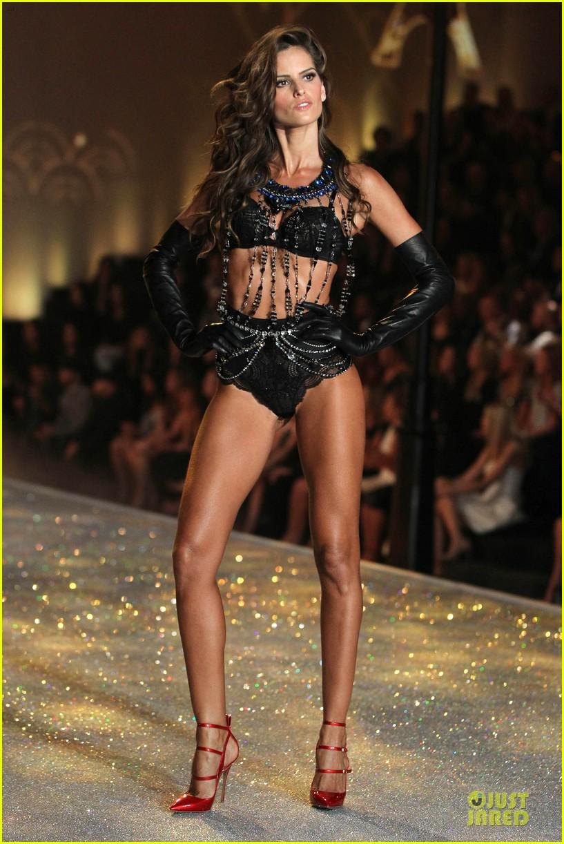 alessandra ambrosio karlie kloss victorias secret fashion show 2013 332992266