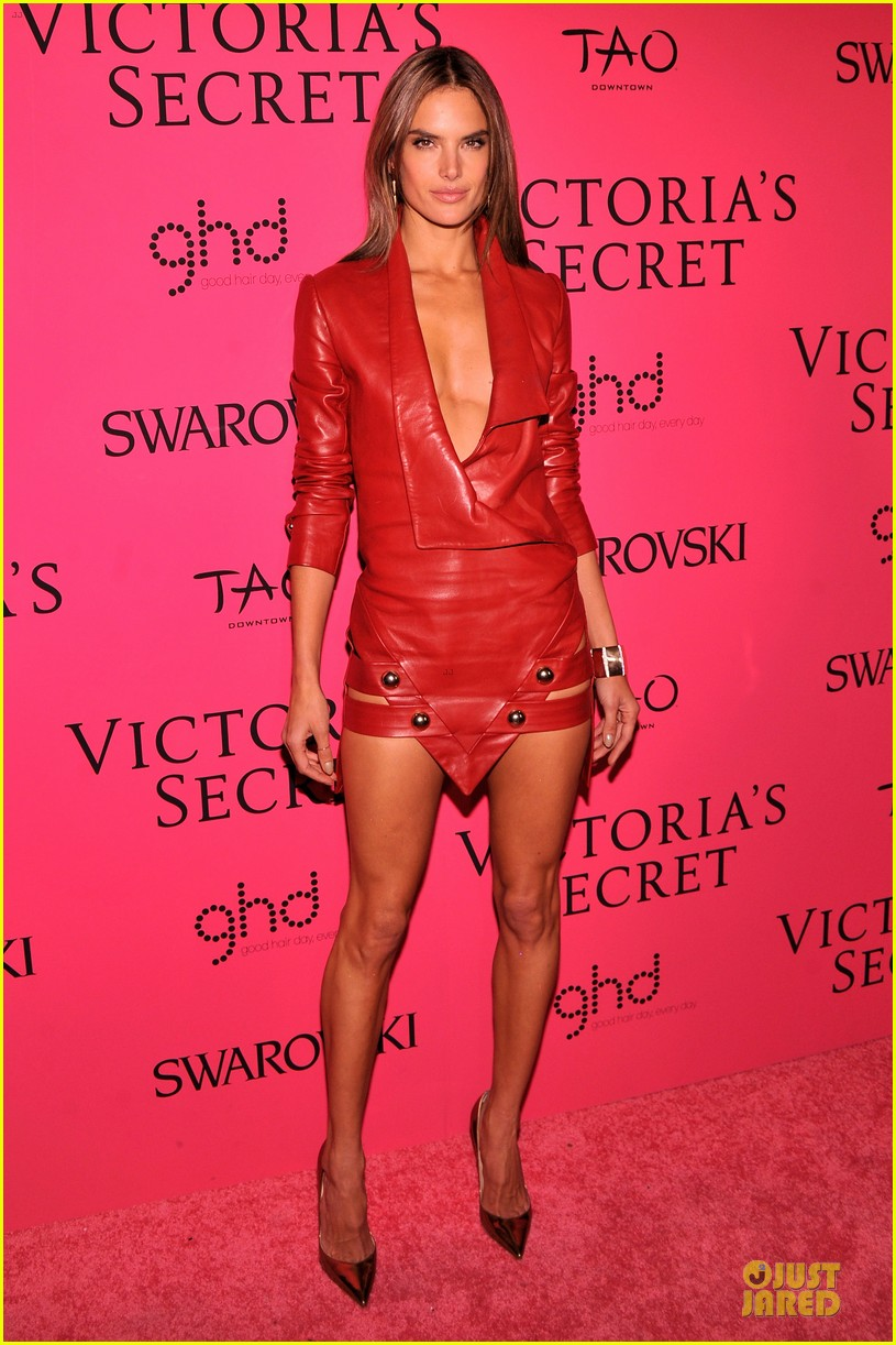 alessandra ambrosio candice swanepoel victorias secret fashion show after party 11