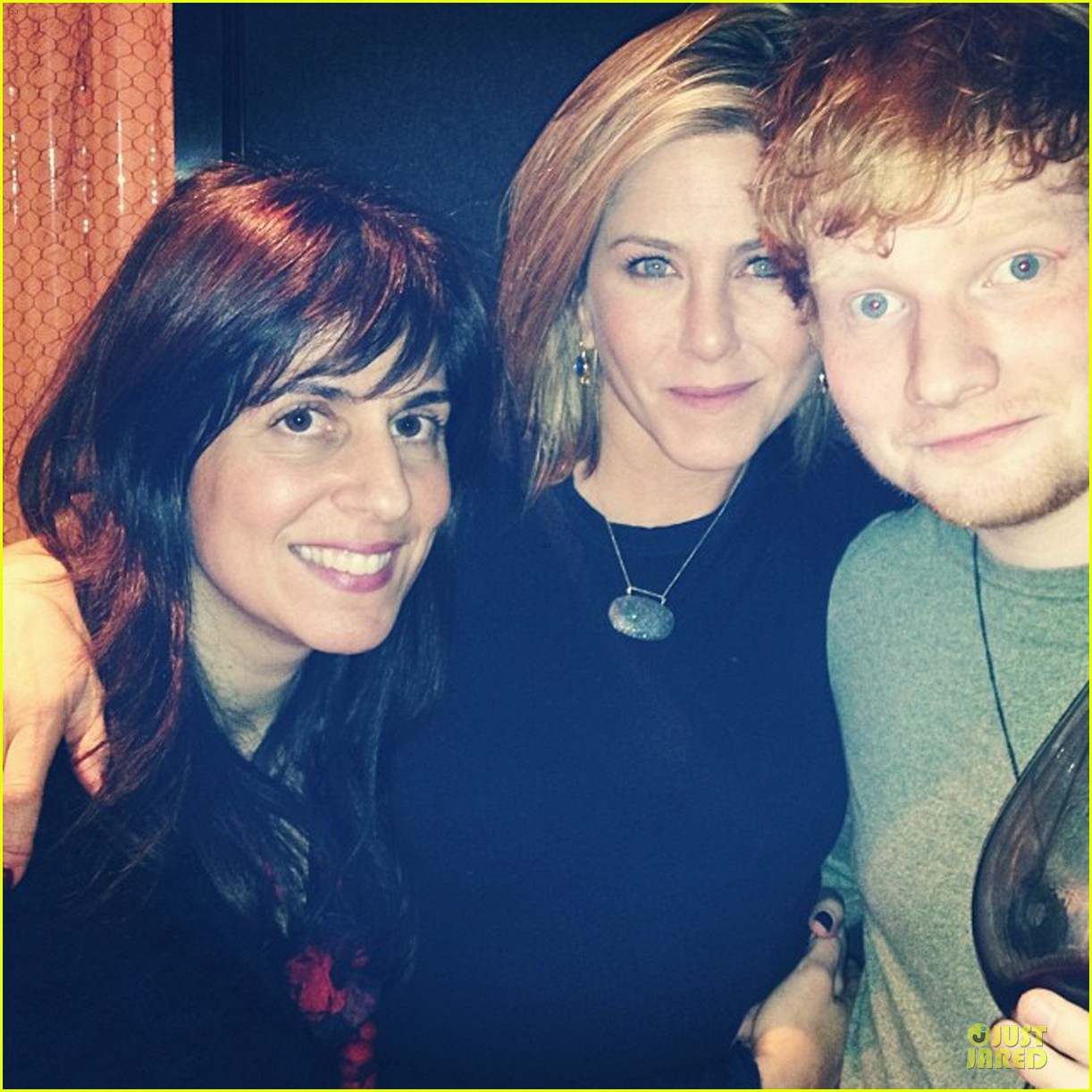 jennifer aniston thanksgiving bonding with ed sheeran 013002313
