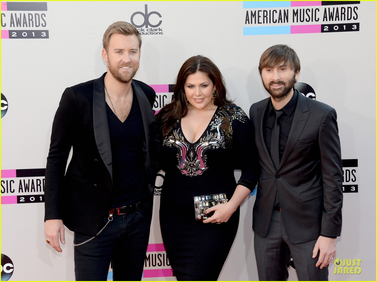 lady antebellum amas 2013 red carpet 10