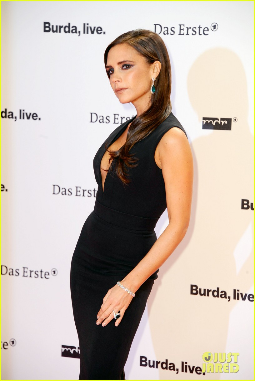 victoria beckham wins at bambi awards 2013 13