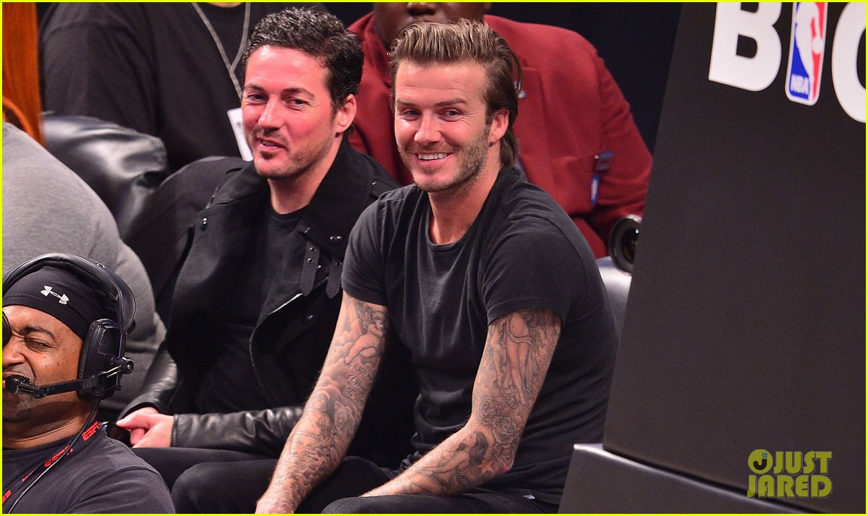 david beckham cheers on nets after flight into town 052986016