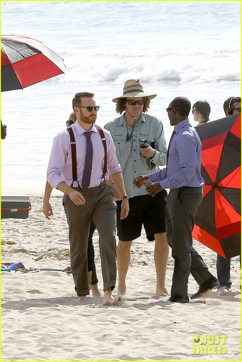 kristen bell house of cards beach filming 15
