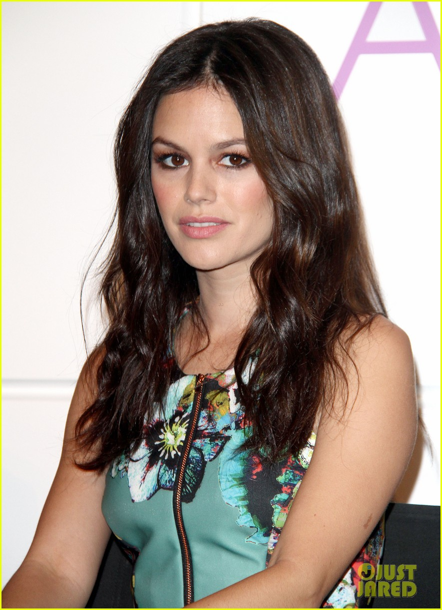rachel bilson peoples choice awards nominations conference 062986585