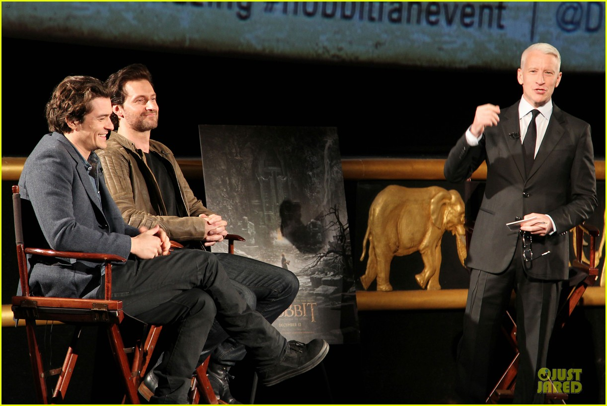 orlando bloom hobbit the desolation of smaug fan screening 152986172