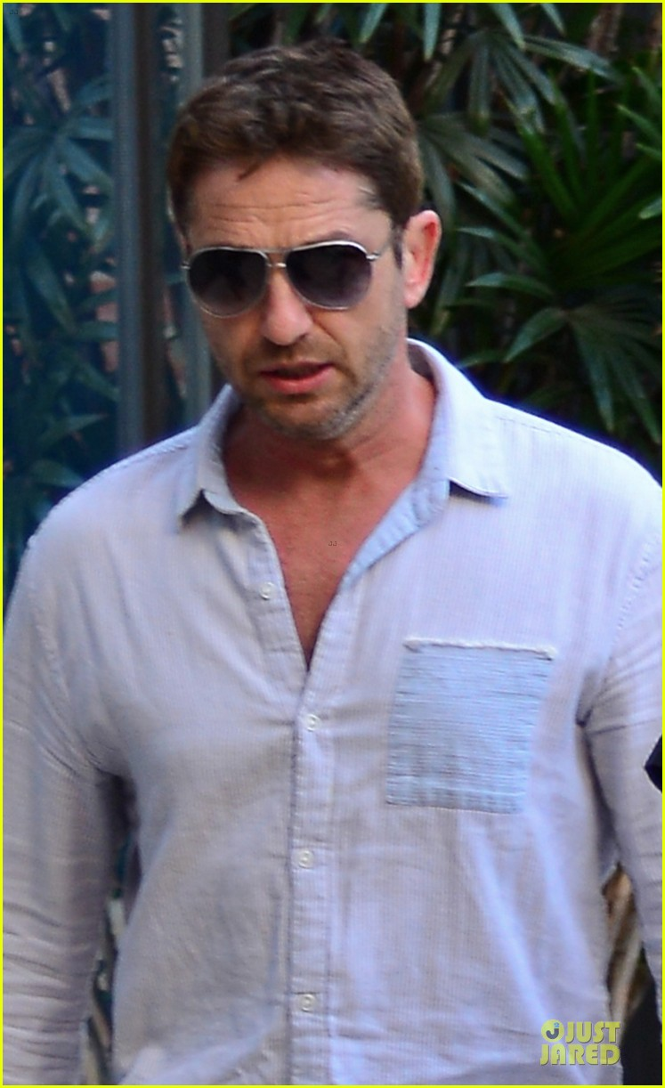gerard butler beverly hills outing after kane lynch news 02