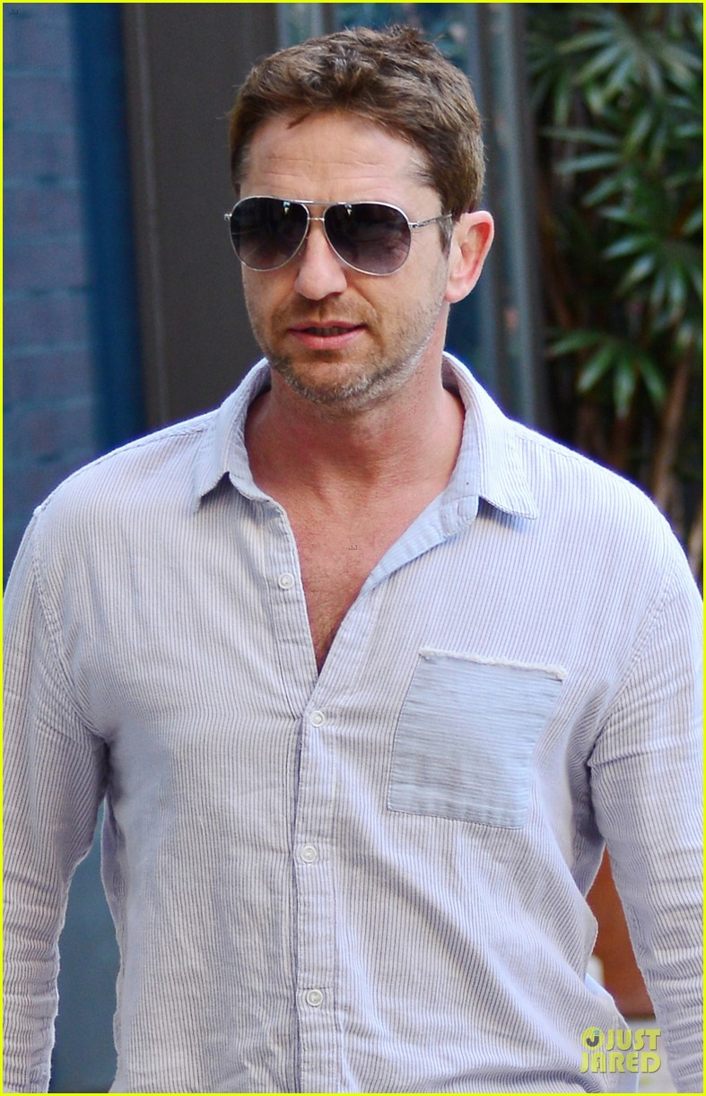 gerard butler beverly hills outing after kane lynch news 042987321