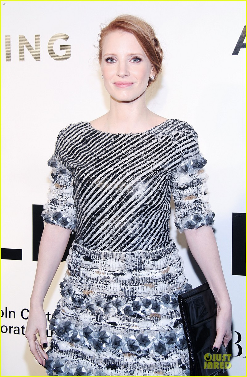 jessica chastain honors karl lagerfeld 092987314