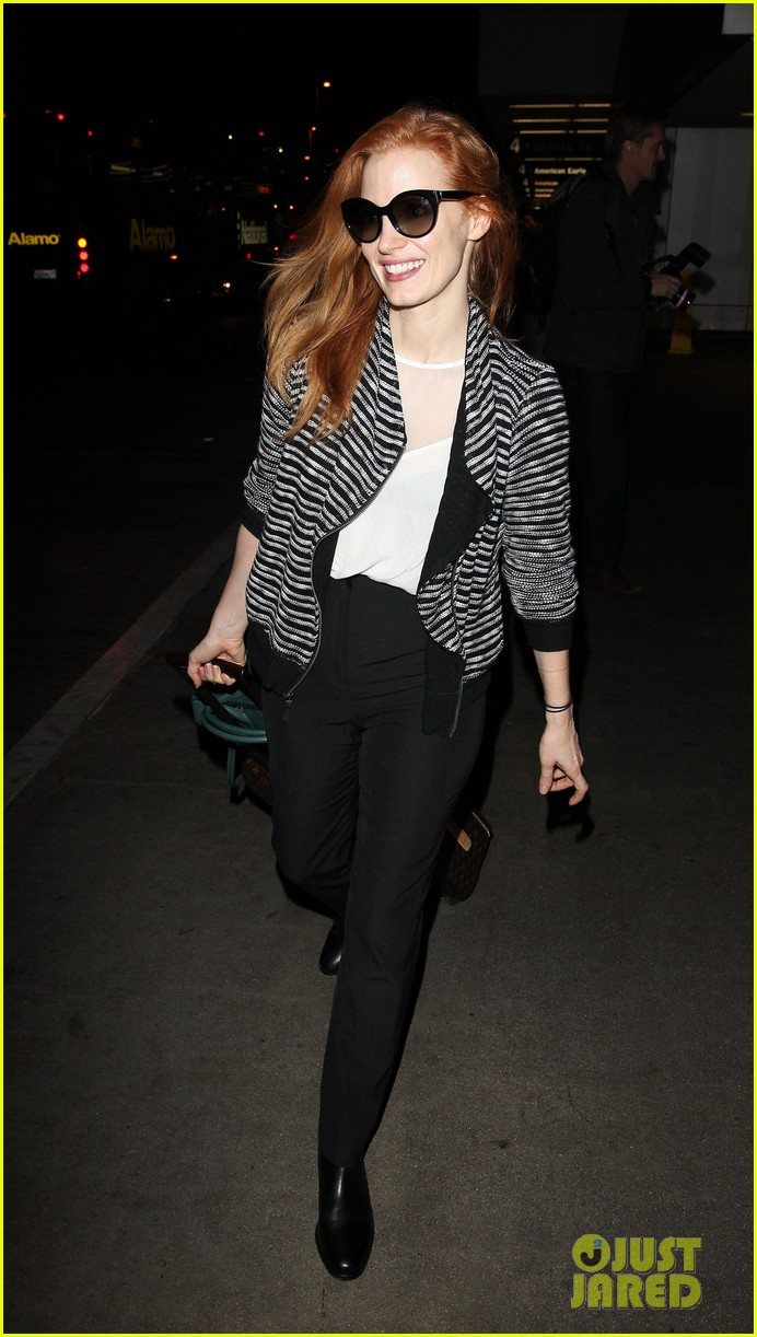 jessica chastain late night lax arrival 012985910