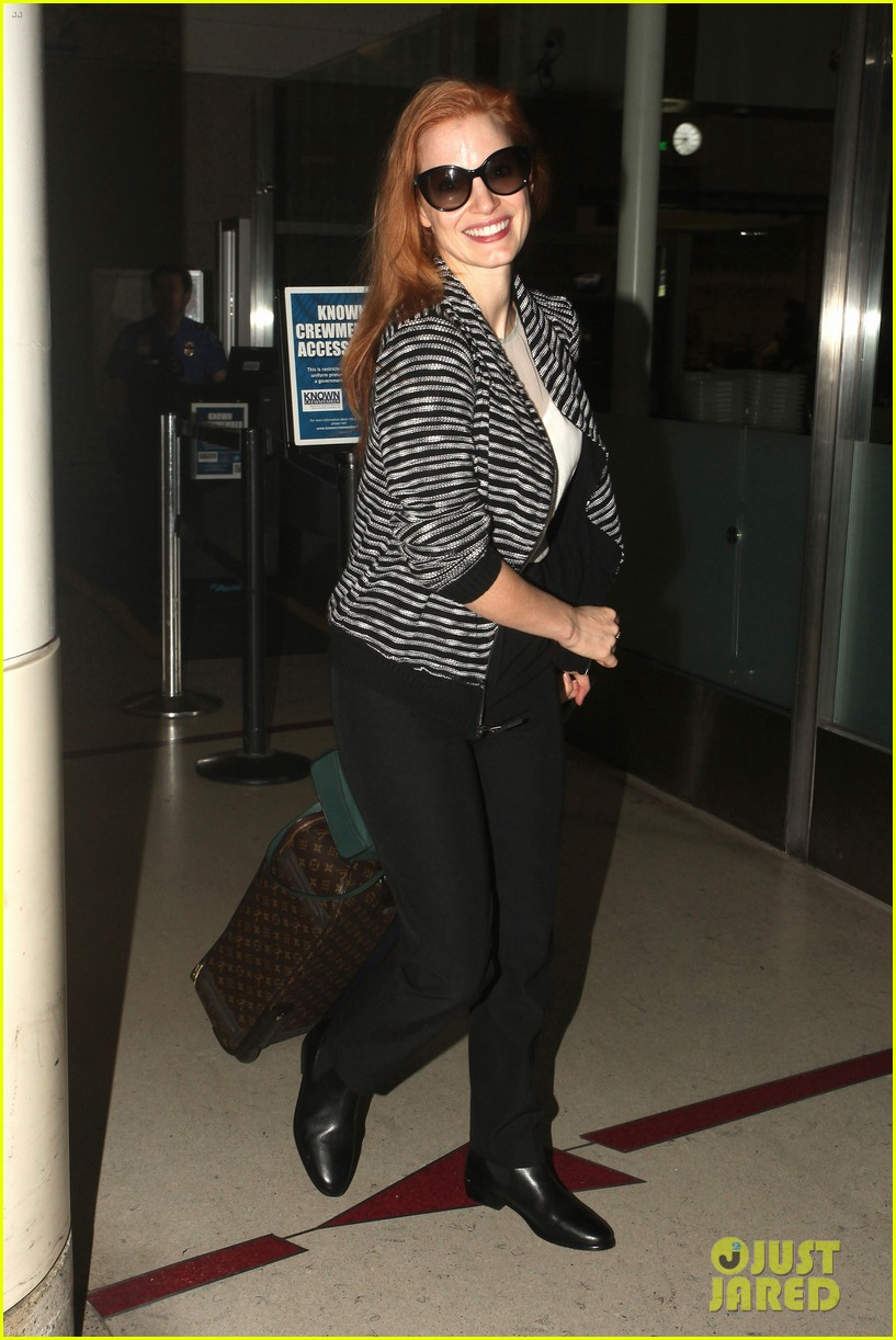 jessica chastain late night lax arrival 06