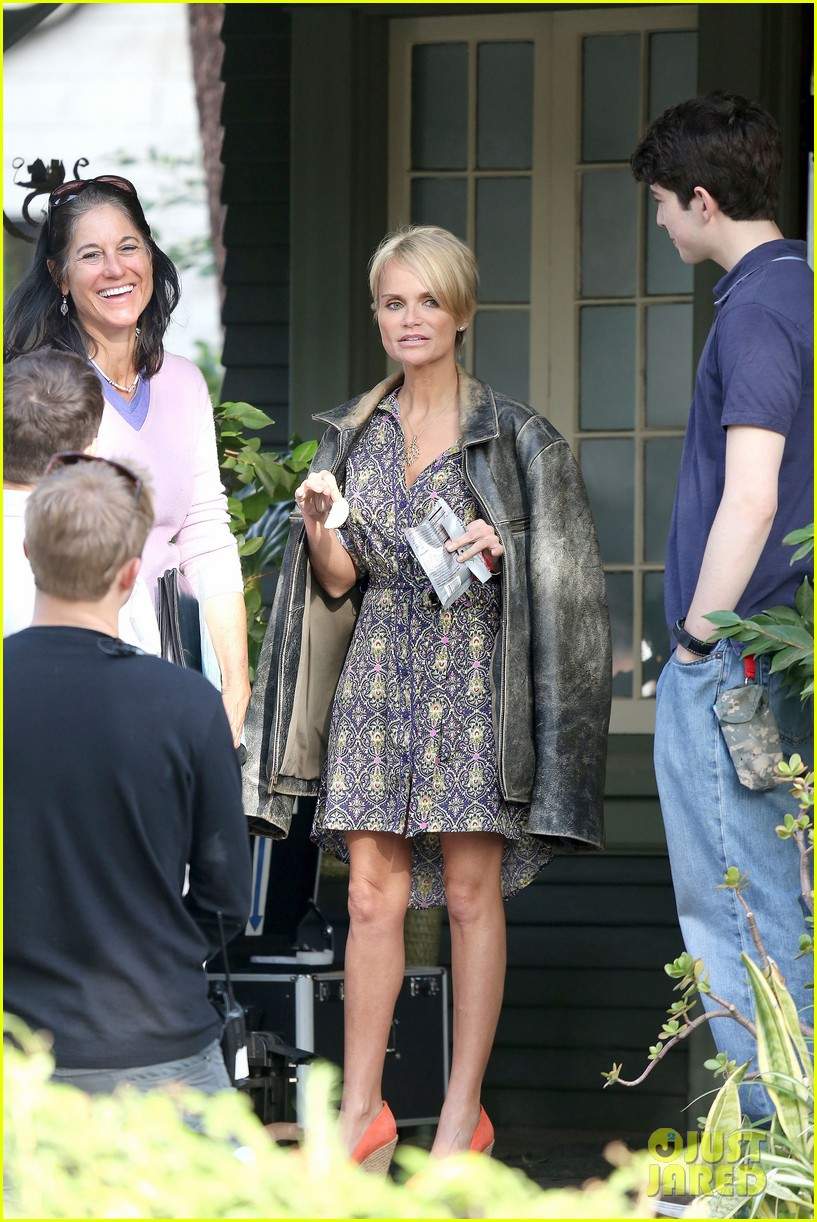 kristin chenoweth snacks during fun day at work 132995949