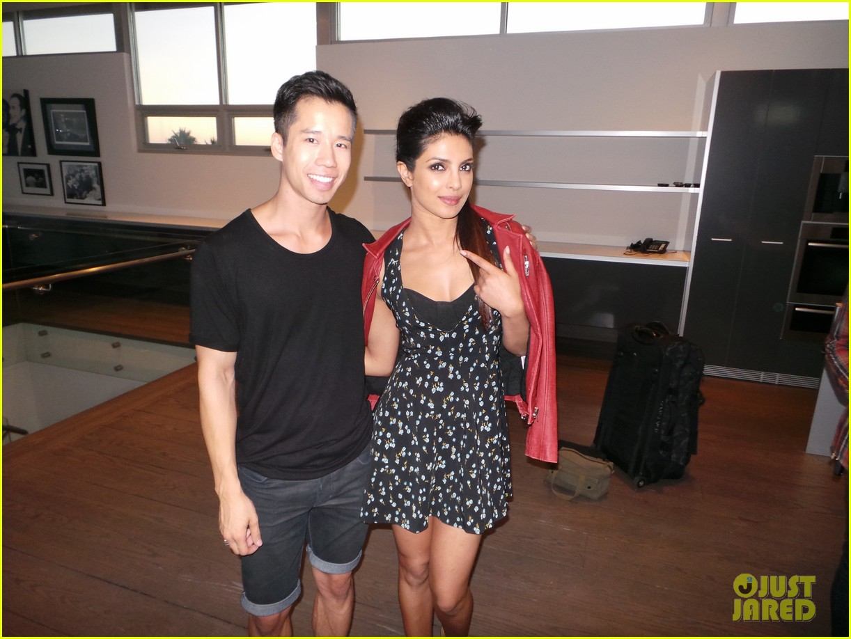 priyanka chopra just jared spotlight of the week behind the scenes pics 01