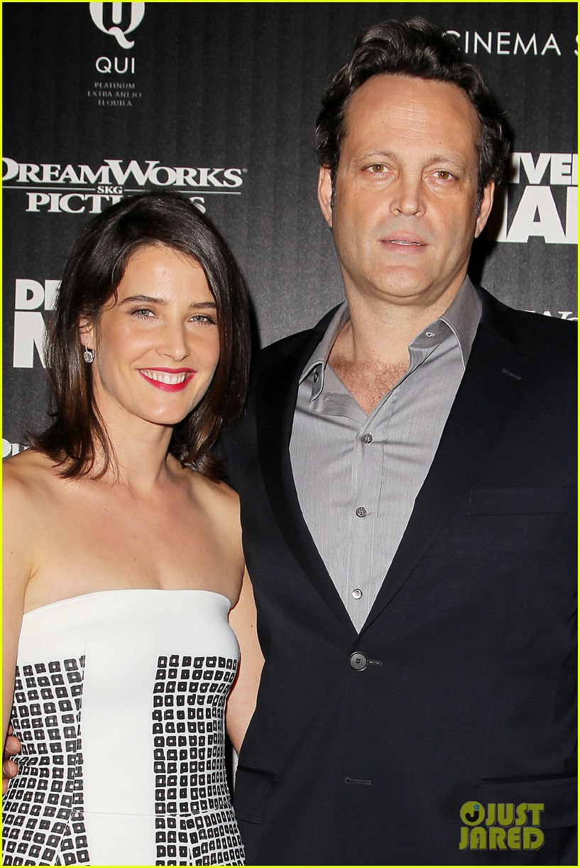 cobie smulders delivery man premiere with vince vaughn 06