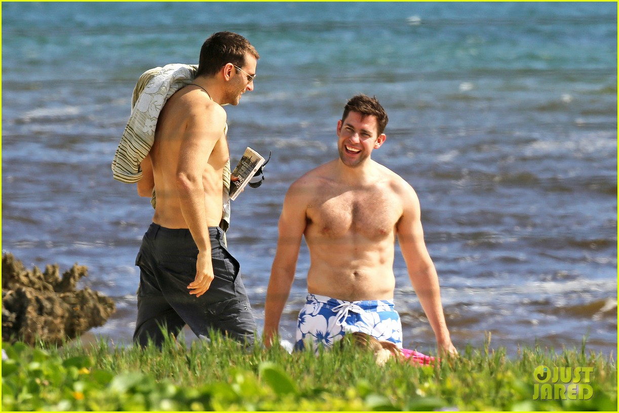 bradley cooper shirtless with john krasinski pregnant bikini clad emily blunt 19