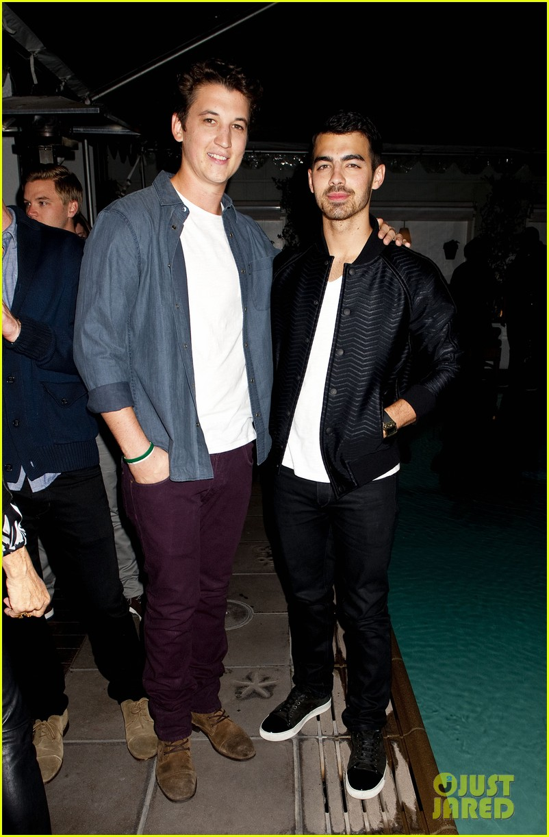 darren criss michael b jordan blue jeans go green party 072987389