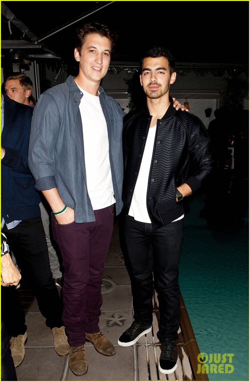 darren criss michael b jordan blue jeans go green party 082987390