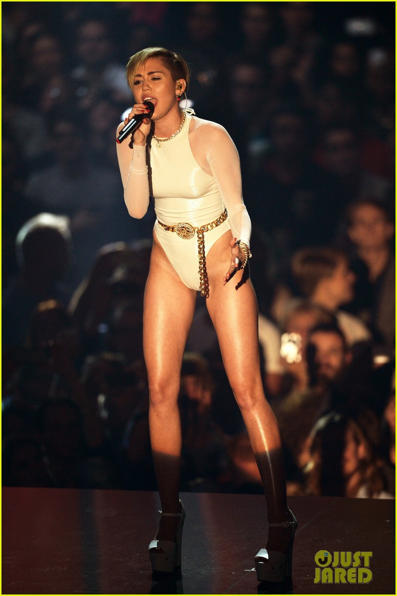 miley cyrus wrecking ball at mtv ema 2013 video 032989885