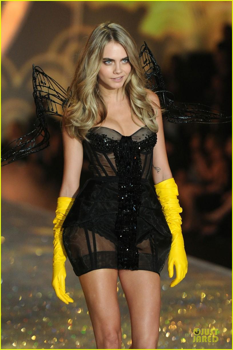 cara delevingne toni garrn victorias secret fashion show 2013 02
