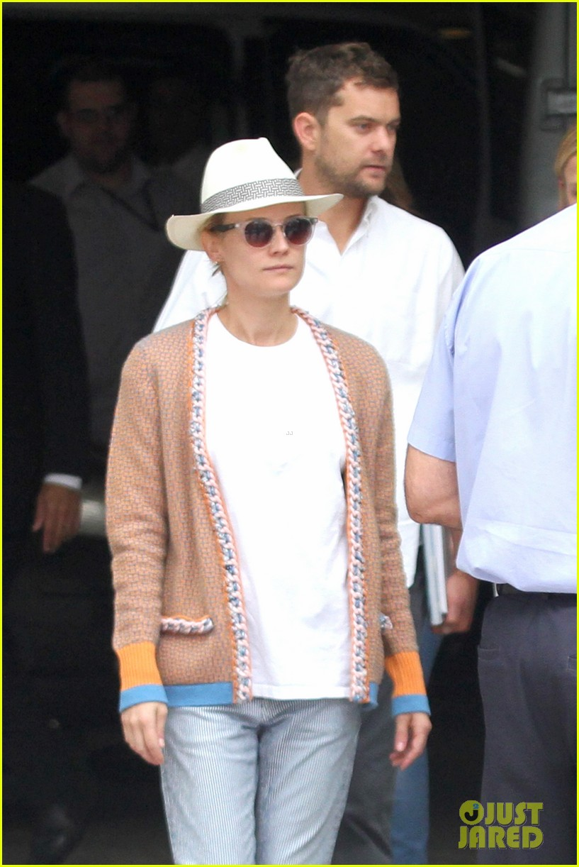 diane kruger joshua jackson lunch with pals in rio 03