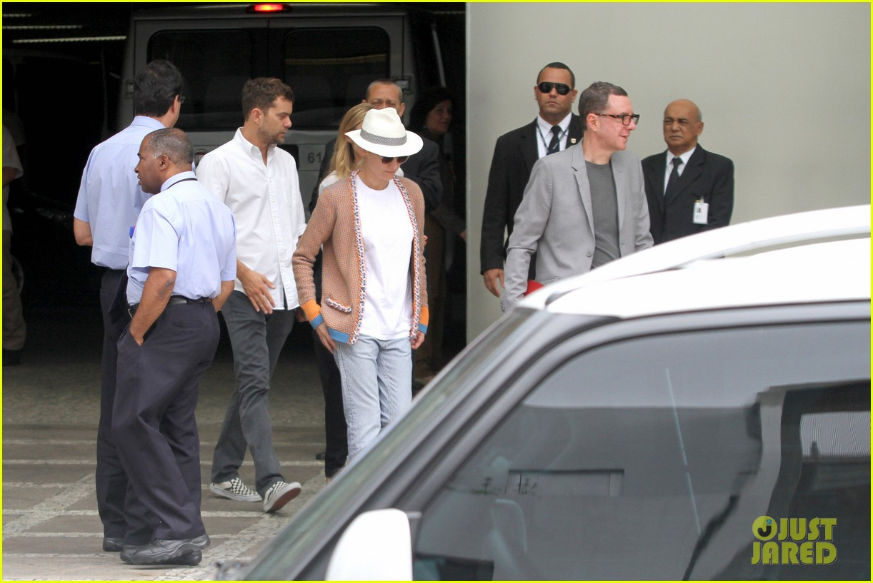 diane kruger joshua jackson lunch with pals in rio 14