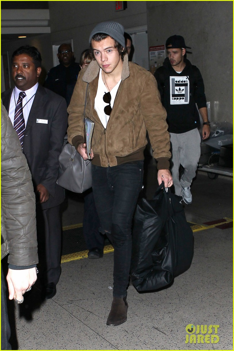 one direction lax arrivial for midnight memories 05