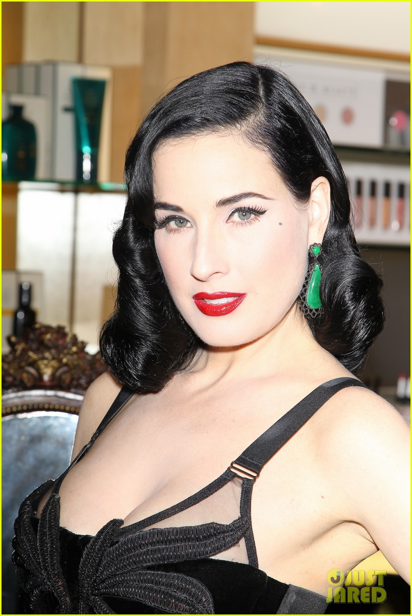 dita von teese erotique fragrance launch 02