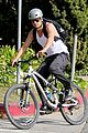 josh duhamel bares his biceps in muscle tank on bike ride 13