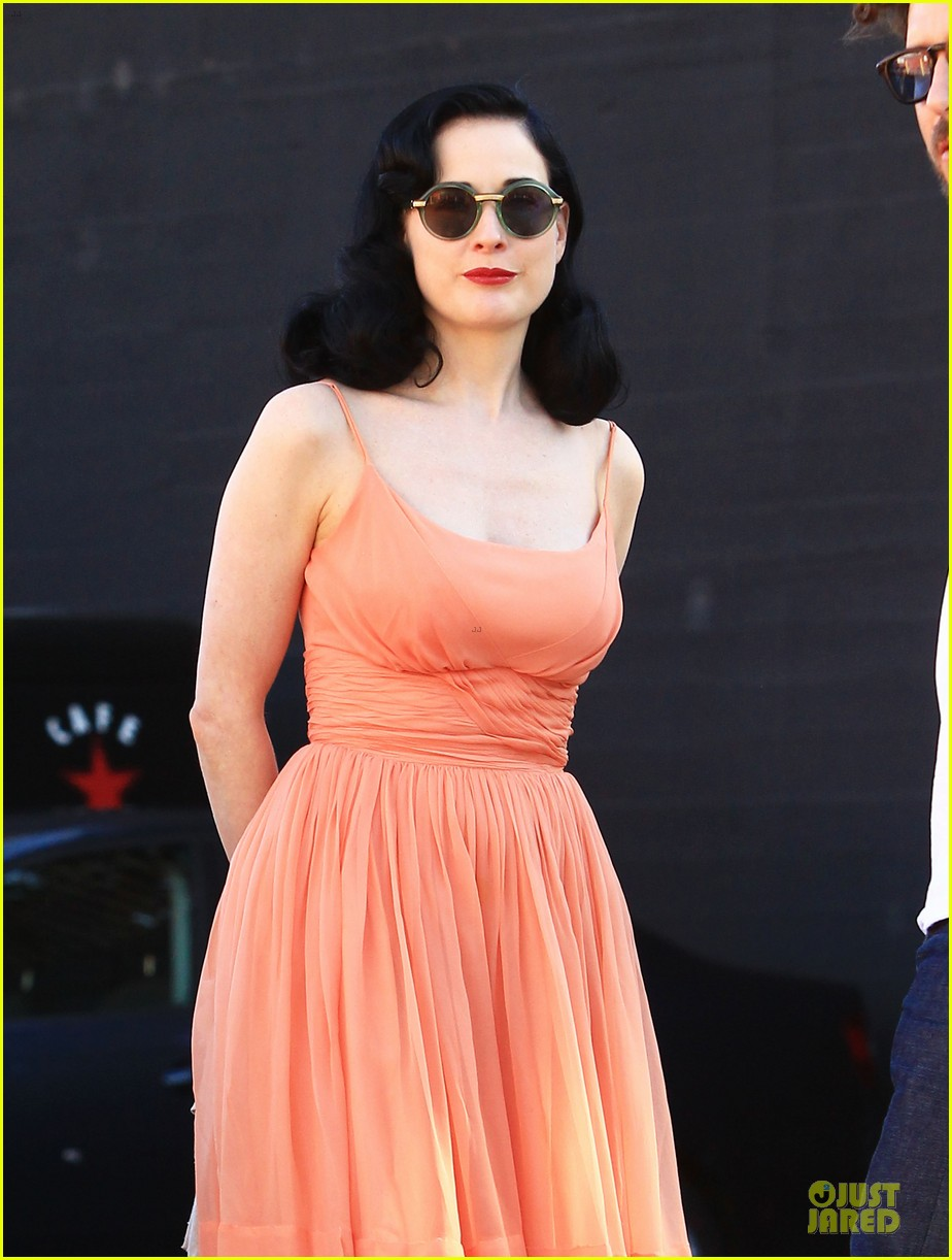 dita von teese skinny jeans are physically emotionally uncomfortable 24