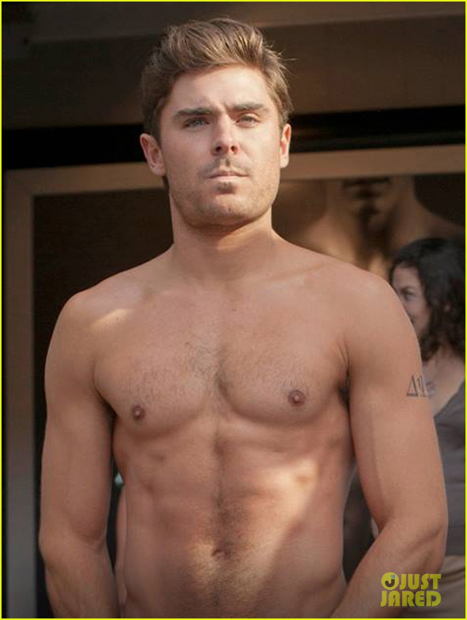 zac efron jokes hes in bound 4 with new shirtless photo 033000913