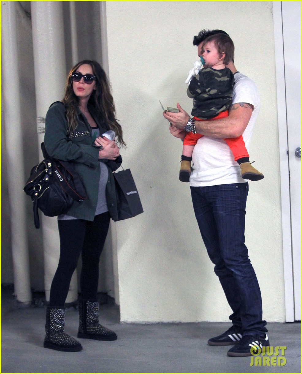 megan fox brian austin green take noah to the doctor 15