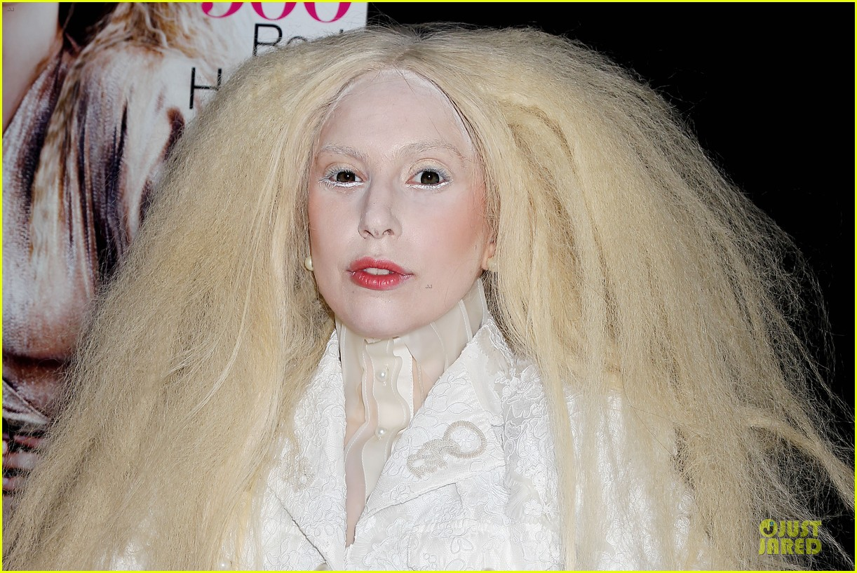 lady gaga glamour women of the year awards honoree 09