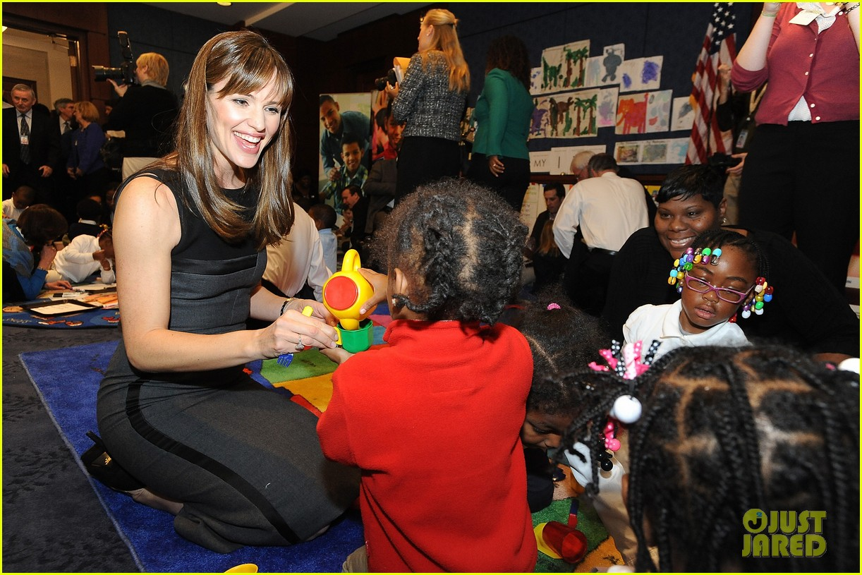 jennifer garner visits capitol hill to introduce strong start bill 12