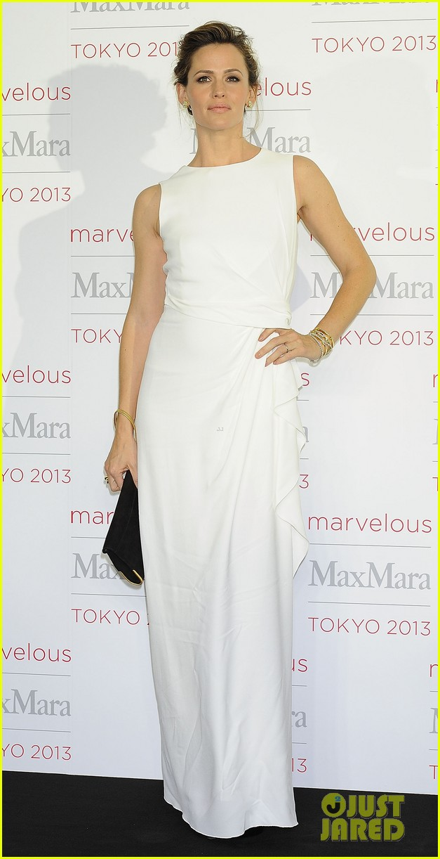jennifer garner max mara presentation in japan 05