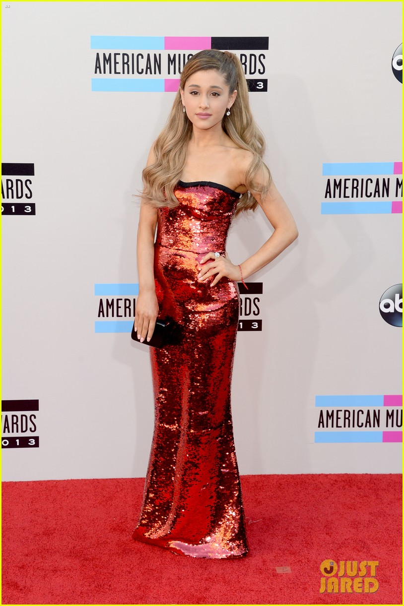 ariana grande amas 2013 red carpet 03