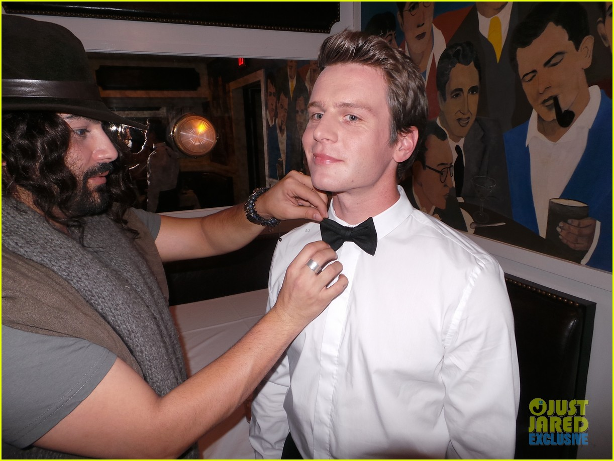 jonathan groff jj spotlight of the week behind the scenes pics 073000310