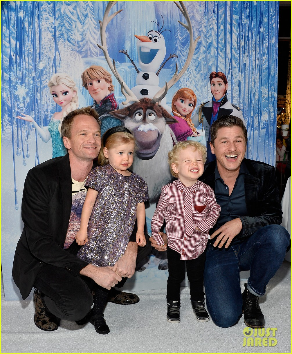 neil patrick harris frozen premiere with the family 13