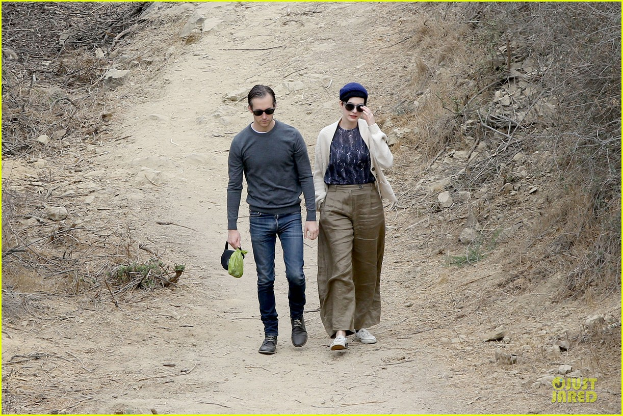 anne hathaway adam shulman hold hands for intimate walk 10