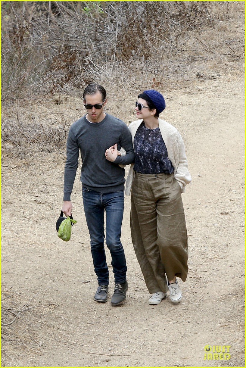 anne hathaway adam shulman hold hands for intimate walk 12