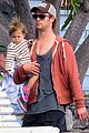 chris hemsworth pregnant elsa pataky spend time with india 13
