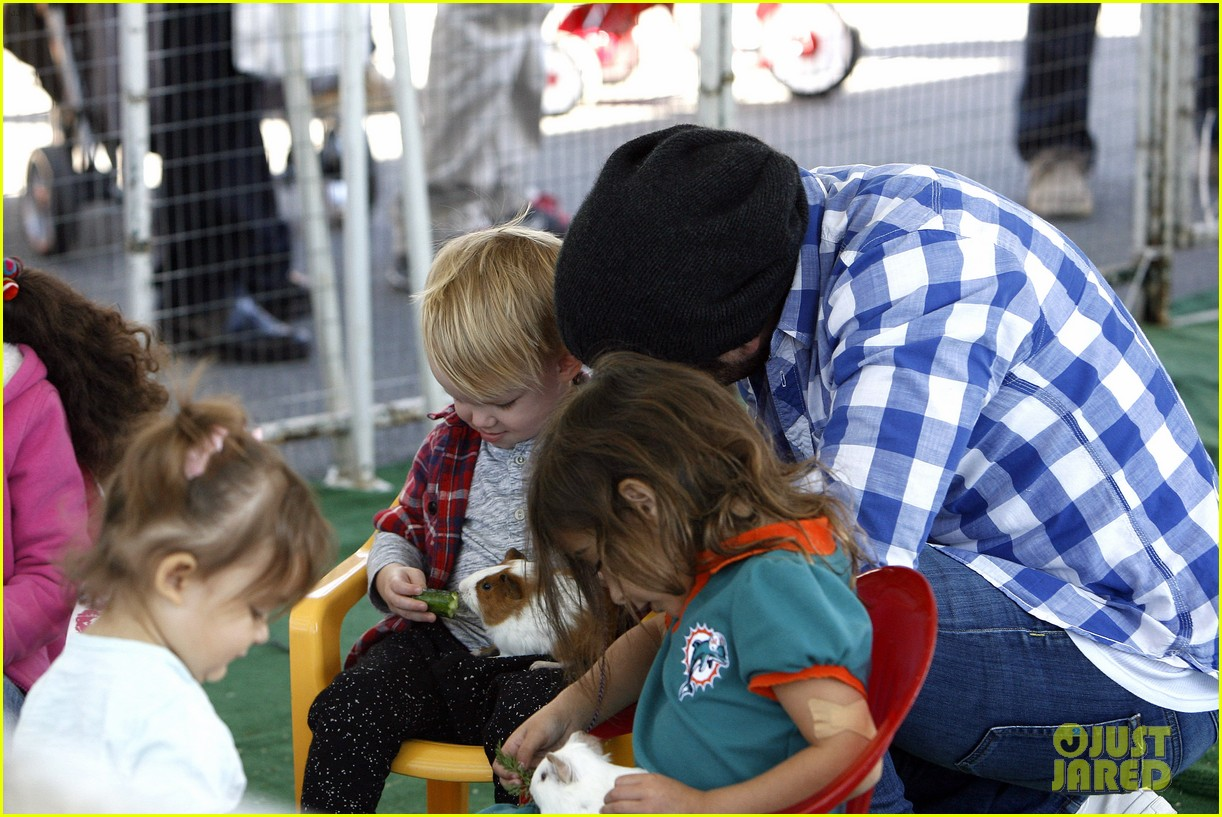 hilary duff mike comrie petting zoo with luca 162999132