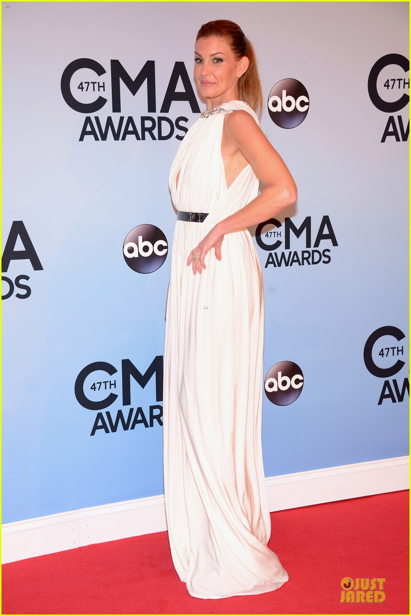 faith hill tim mcgraw cma awards 2013 red carpet 062987218
