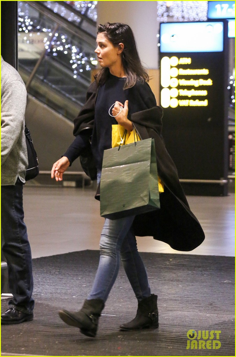 katie holmes arrives back in south africa 10